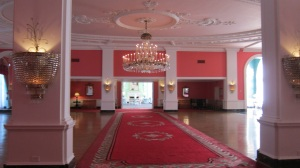Greenbrier Red Lobby1