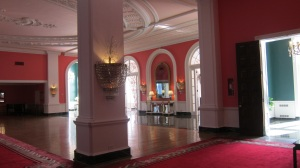Greenbrier Red Lobby2